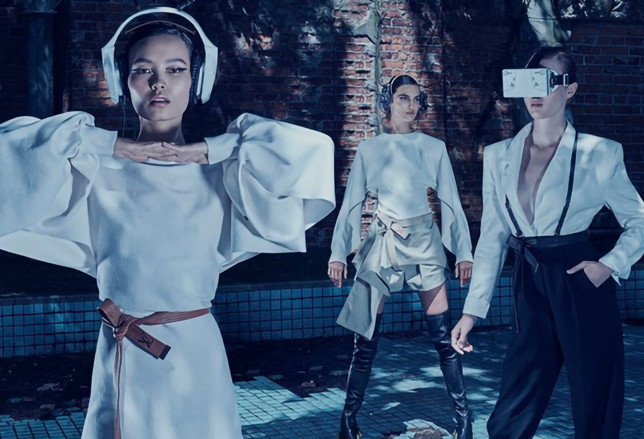 V magazine CRUISE IN PLACE : LOUIS VUITTON
